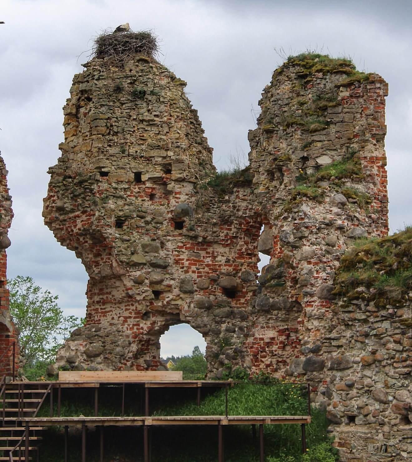 Vastseliina linnuse kagutorni trepid ja platvormid
